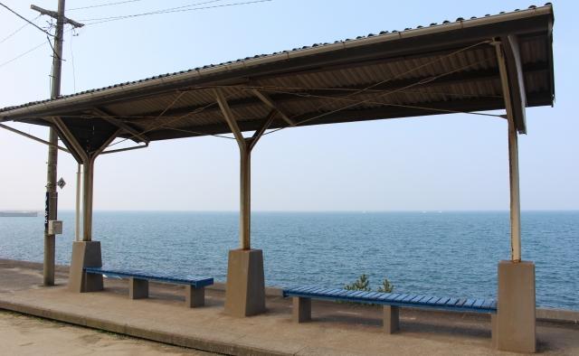 日中は駅から見る水平線が絶景